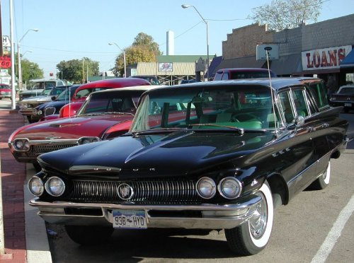 Photo of a 1960 Buick LeSabre station wagon